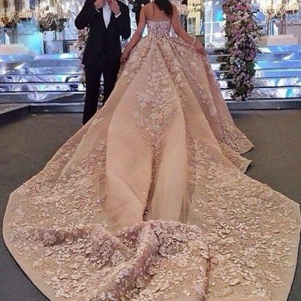 Сонник кто-то шьет платье