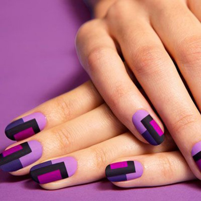 Как сделать полоски на ногтях на гель лаке 207