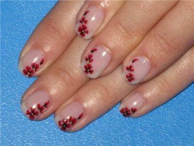 дизайн на коротких ногтях